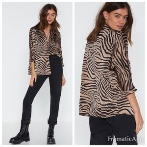Nasty Gal Button Up Elbow Sleeve Tiger Shirt 6 NWT